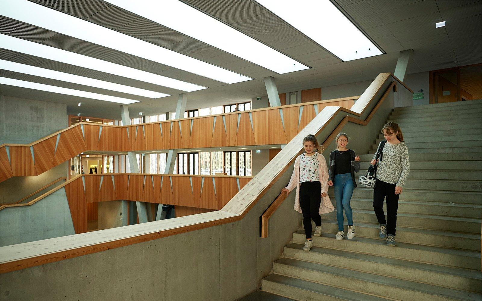 Atrium Dachverglasungslösungen der Hessenwaldschule in Deutschland